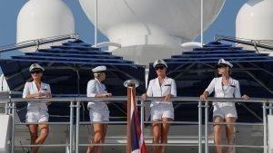 Girls on boat at Formula One World Championship, Rd19, Abu Dhabi Grand Prix, Qualifying, Yas Marina Circuit, Abu Dhabi, UAE