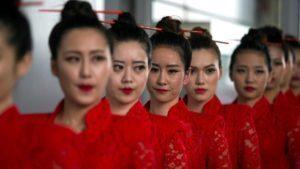 Grid Girls at Formula One World Championship, Rd3, Chinese Grand Prix, Qualifying, Shanghai, China, Saturday 16 April 2016. © Sutton Motorsport Images