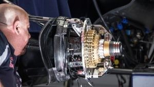 Scuderia Toro Rosso STR11 front brake and wheel hub detail at Formula One World Championship, Rd5, Spanish Grand Prix, Preparations, Barcelona, Spain, Thursday 12 May 2016. © Sutton Images