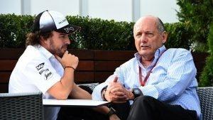 Fernando Alonso (ESP) McLaren and Ron Dennis (GBR) McLaren Executive Chairman at Formula One World Championship, Rd1, Australian Grand Prix, Preparations, Albert Park, Melbourne, Australia, Thursday 17 March 2016. © Sutton Motorsport Images