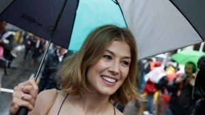 Rosamund Pike (GBR) Actress on the grid at Formula One World Championship, Rd6, Monaco Grand Prix, Race, Monte-Carlo, Monaco, Sunday 29 May 2016. © Sutton Images