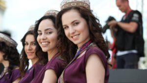Grid girls at Formula One World Championship, Rd8, European Grand Prix, Race, Baku City Circuit, Baku, Azerbaijan, Sunday 19 June 2016. © Sutton Images
