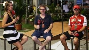 Federica Masolin (ITA) Sky Italia Presenter, Jacques Villeneuve (CDN) Sky Italia and Marc Gene (ESP) Ferrari at Formula One World Championship, Rd13, Singapore Grand Prix, Qualifying, Marina Bay Street Circuit, Singapore, Saturday 19 September 2015. © Sutton Motorsport Images