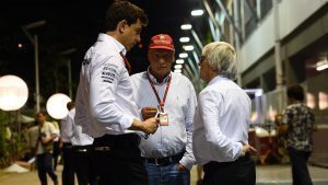 Toto Wolff (AUT) Mercedes AMG F1 Director of Motorsport, Niki Lauda (AUT) Mercedes AMG F1 Non-Executive Chairman and Bernie Ecclestone (GBR) CEO Formula One Group (FOM) at Formula One World Championship, Rd15, Singapore Grand Prix, Qualifying, Marina Bay Street Circuit, Singapore, Saturday 17 September 2016. © Sutton Images