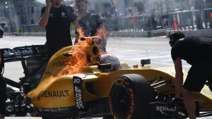 Kevin Magnussen (DEN) Renault Sport F1 Team RS16 on fire in FP1 at Formula One World Championship, Rd16, Malaysian Grand Prix, Practice, Sepang, Malaysia, Friday 30 September 2016. © Sutton Images