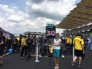 pic-2 Grid girl at Formula One World Championship, Rd16, Malaysian Grand Prix, Race, Sepang, Malaysia, Sunday 2 October 2016. © Renault Sport F1 Team