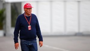 Niki Lauda (AUT) Mercedes AMG F1 Non-Executive Chairman at Formula One World Championship, Rd17, Japanese Grand Prix, Race, Suzuka, Japan, Sunday 9 October 2016. © Sutton Images