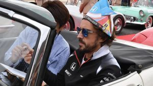 Fernando Alonso (ESP) McLaren on the drivers parade at Formula One World Championship, Rd17, Japanese Grand Prix, Race, Suzuka, Japan, Sunday 9 October 2016. © Sutton Images