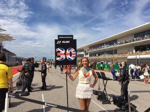 Grid girl at Formula One World Championship, Rd18, United States Grand Prix, Race, Circuit of the Americas, Austin, Texas, USA, Sunday 23 October 2016. © Renault Sport F1 Team