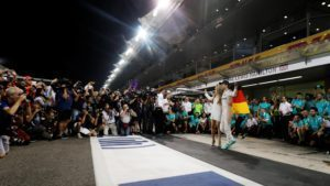 Nico Rosberg (GER) Mercedes AMG F1 celebrates with his wife Vivian Rosberg (GER) and the team at Formula One World Championship, Rd21, Abu Dhabi Grand Prix, Race, Yas Marina Circuit, Abu Dhabi, UAE, Sunday 27 November 2016. © Sutton Images