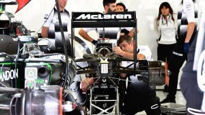 McLaren mechanics work on the car of Fernando Alonso (ESP) McLaren MP4-31 at Formula One World Championship, Rd20, Brazilian Grand Prix, Qualifying, Interlagos, Sao Paulo, Brazil, Saturday 12 November 2016. © Sutton Images