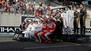 Drivers on the grid for the drivers group photo at Formula One World Championship, Rd21, Abu Dhabi Grand Prix, Race, Yas Marina Circuit, Abu Dhabi, UAE, Sunday 27 November 2016. © Sutton Images